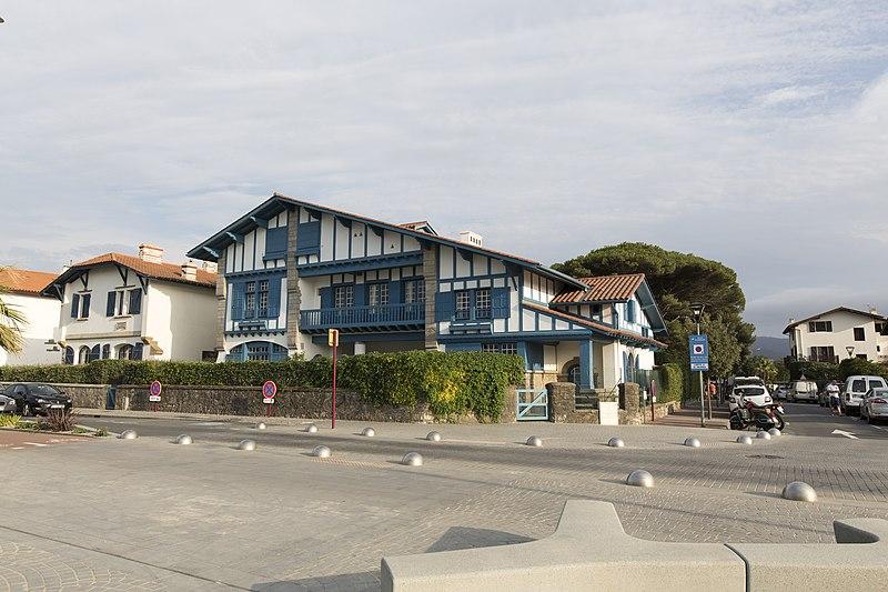 Découvrir Hendaye : louez un appartement moins cher à Urrugne !