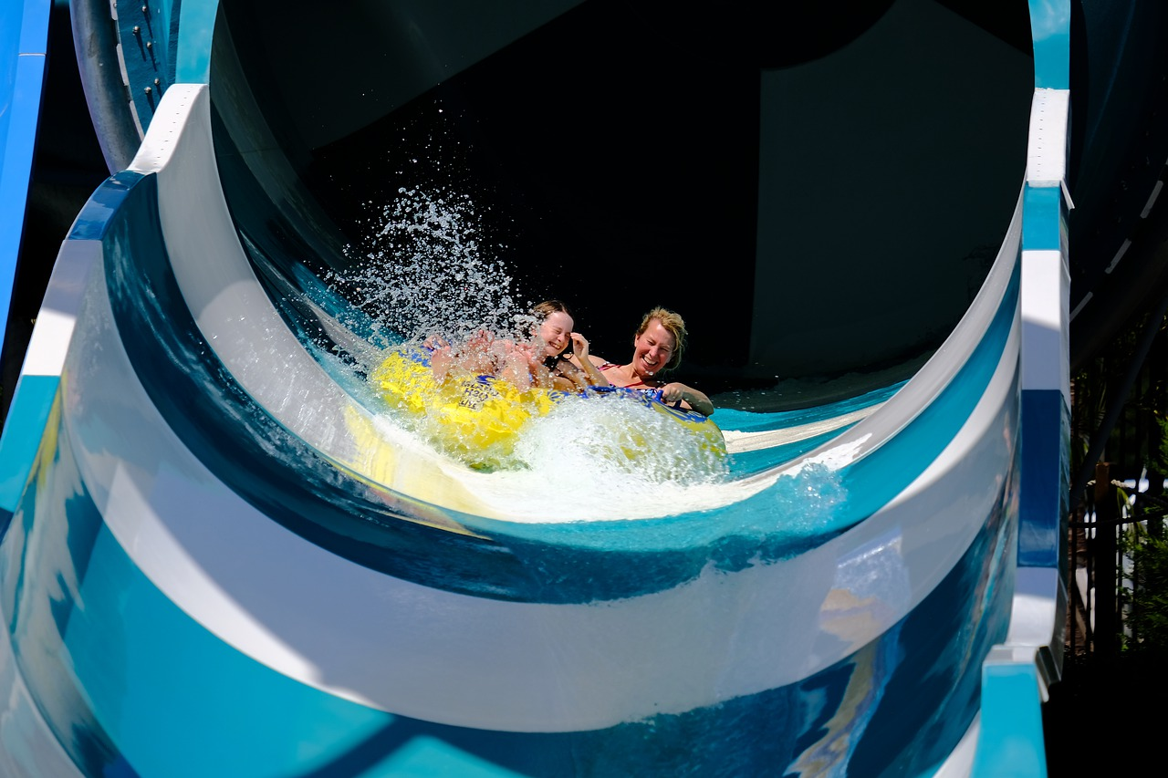 Profitez du parc aquatique d'un camping 2 étoiles au Pays Basque